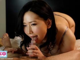"【GG扑克】""佐山爱""作品HMN-032:用免费中出交友寻找能干的年轻棒子〜"