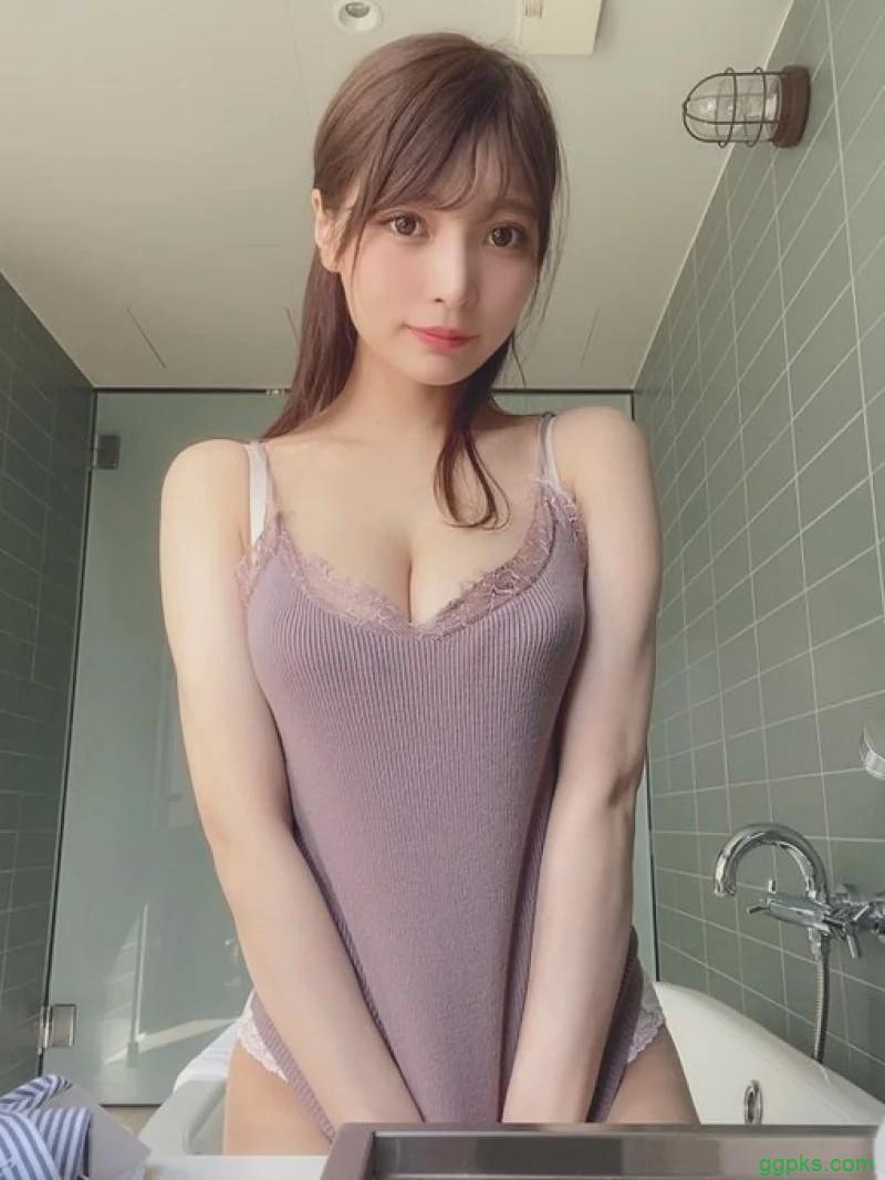 【GG扑克】SNIS-488日本萝莉超巨车灯藏不住,网友暴动:做我女朋友!