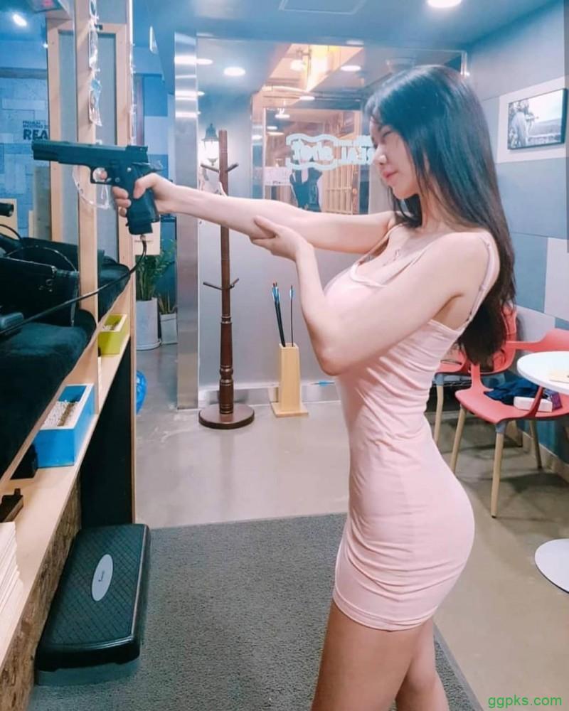 【GG扑克】韩国性感正妹CANDY 丰乳肥臀火辣身材不科学