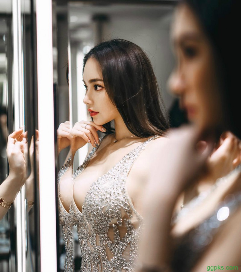 【GG扑克】香港学霸正妹朱慕婷 透视装浑圆豪乳若隐若现