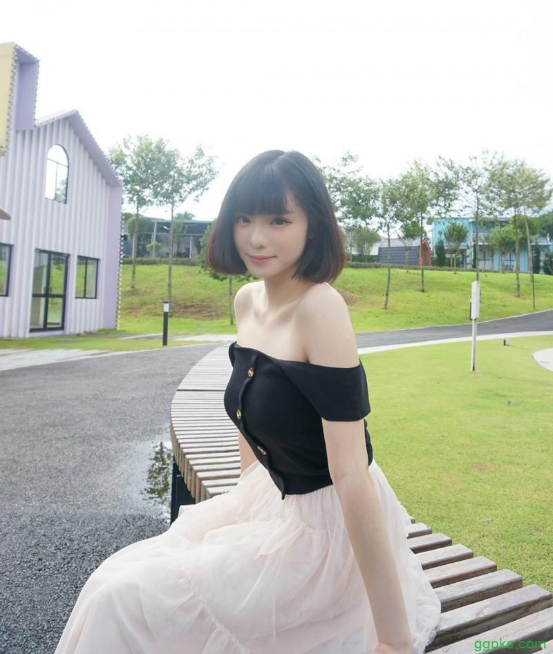 """【GG扑克】大马甜美女孩香儿 """"肉感""""正妹紧身衣秀完美身材"""