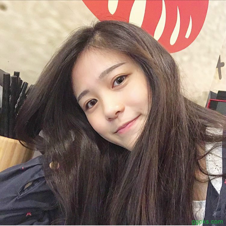 【GG扑克】校园美女学姐超正 小清新正妹笑容甜美令人一秒恋爱