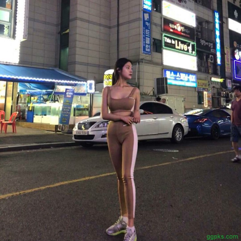 【GG扑克】韩国性感巨乳美女 胸器妹泳装包不住双乳峰