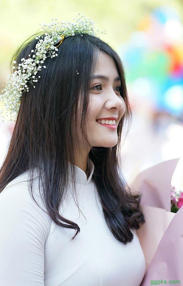 【GG扑克】越南天使般美女 高颜值正妹甜美笑容迷人