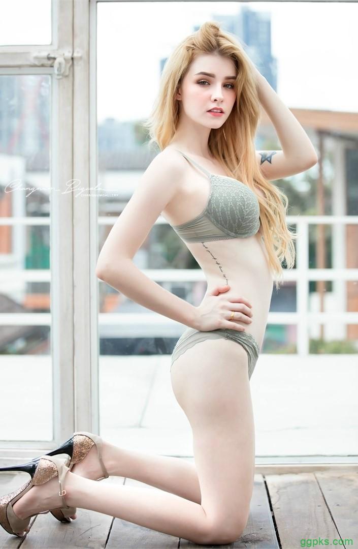 【GG扑克】混血美女Jessie Vard 蕾丝内衣乳晕美白超级诱惑