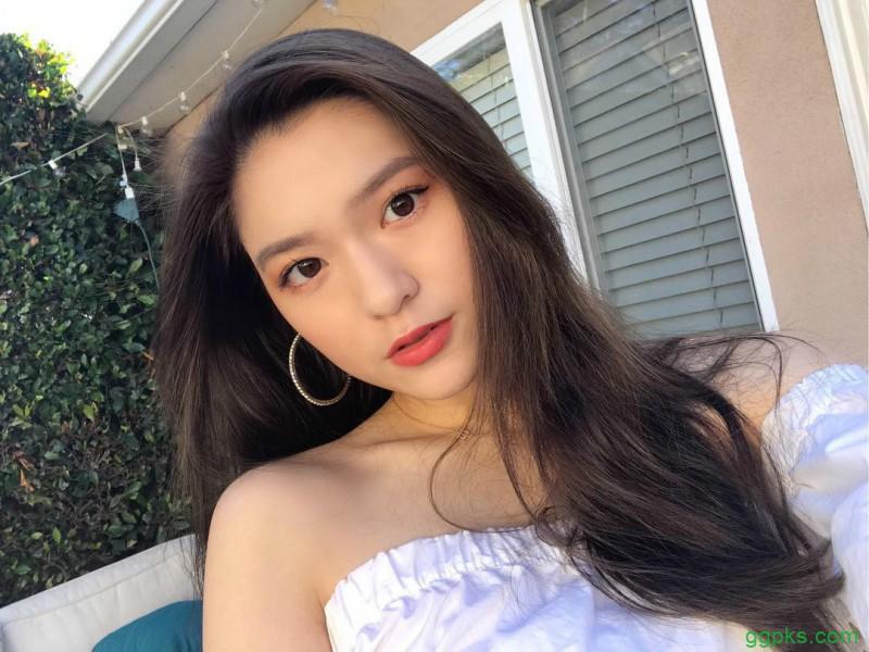 【GG扑克】阳光正妹Lillian Chen 高挑比基尼美女释放性感身材