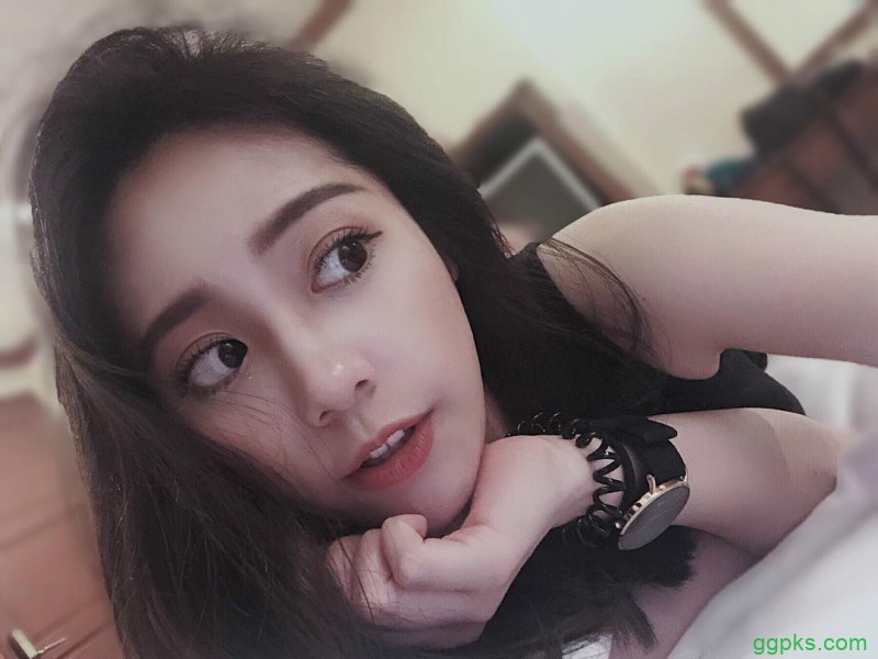 【GG扑克】瓜子脸美女littlecat 甜美正妹气质迷人
