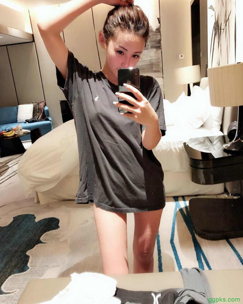 【GG扑克】香港大长腿正妹Rain Cheng郑子涵 模特身材气质迷人