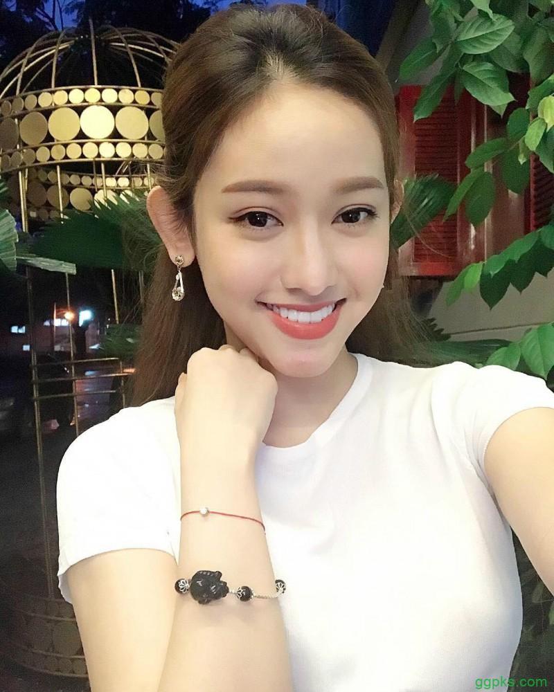【GG扑克】越南美女老板娘Thuy Vi 性感S曲线辣到不行
