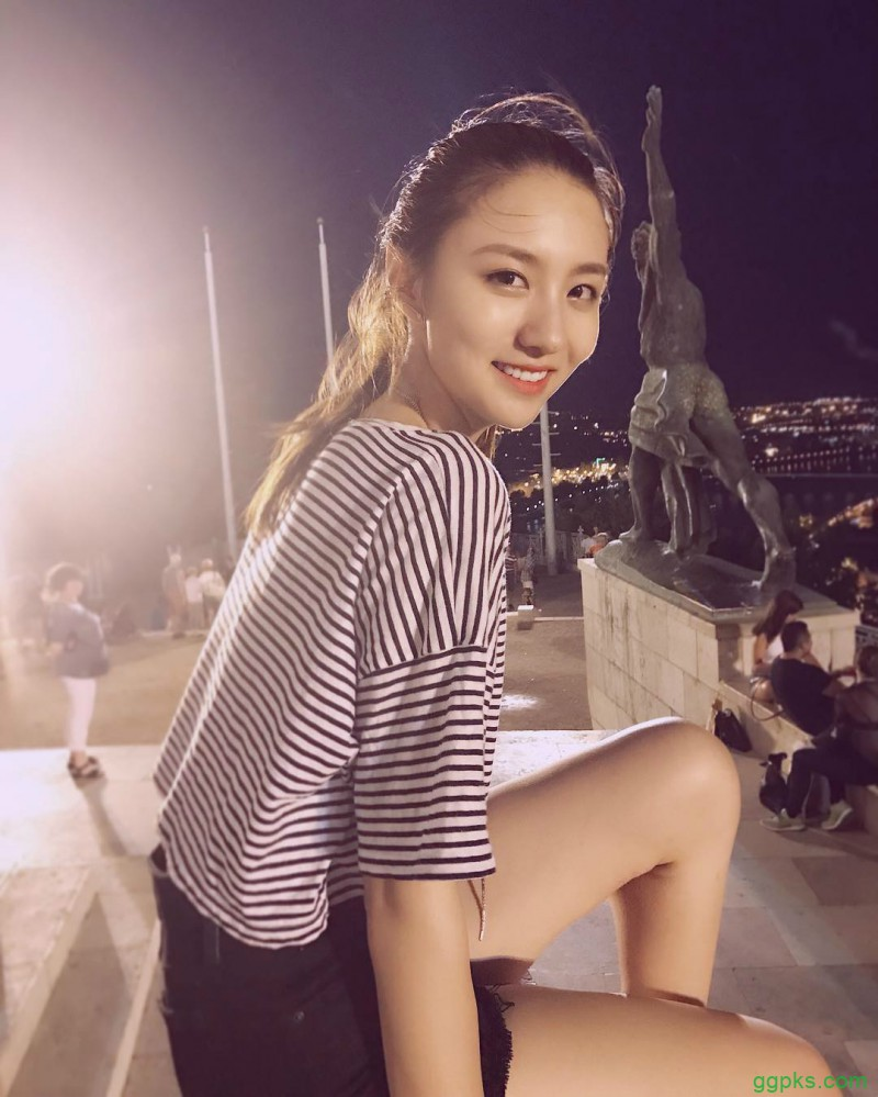 【GG扑克】台湾气质美女张伊君 泡澡性感侧乳外漏秒杀网友