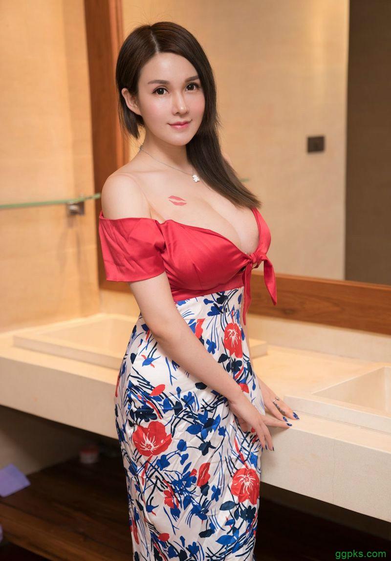 【GG扑克】巨乳性感辣模沈蜜桃 乳量大不科学惊艳众人