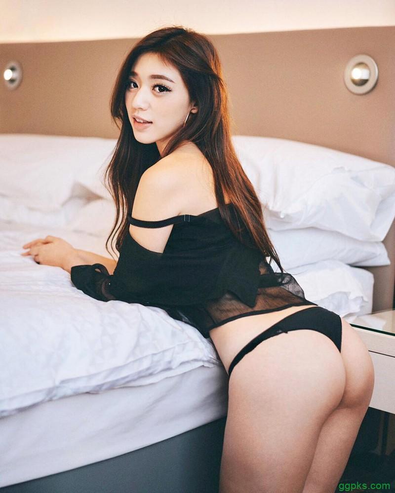 【GG扑克】性感胸器妹kiki 比基尼秀完美S曲线