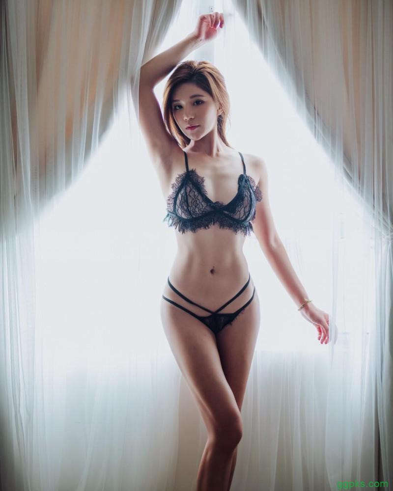 【GG扑克】健身女神Toto Tong 健美身材紧致十分养眼