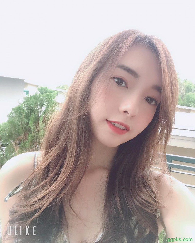 【GG扑克】性感辣妹郑意文Stephy 比基尼秀深沟解禁巨乳