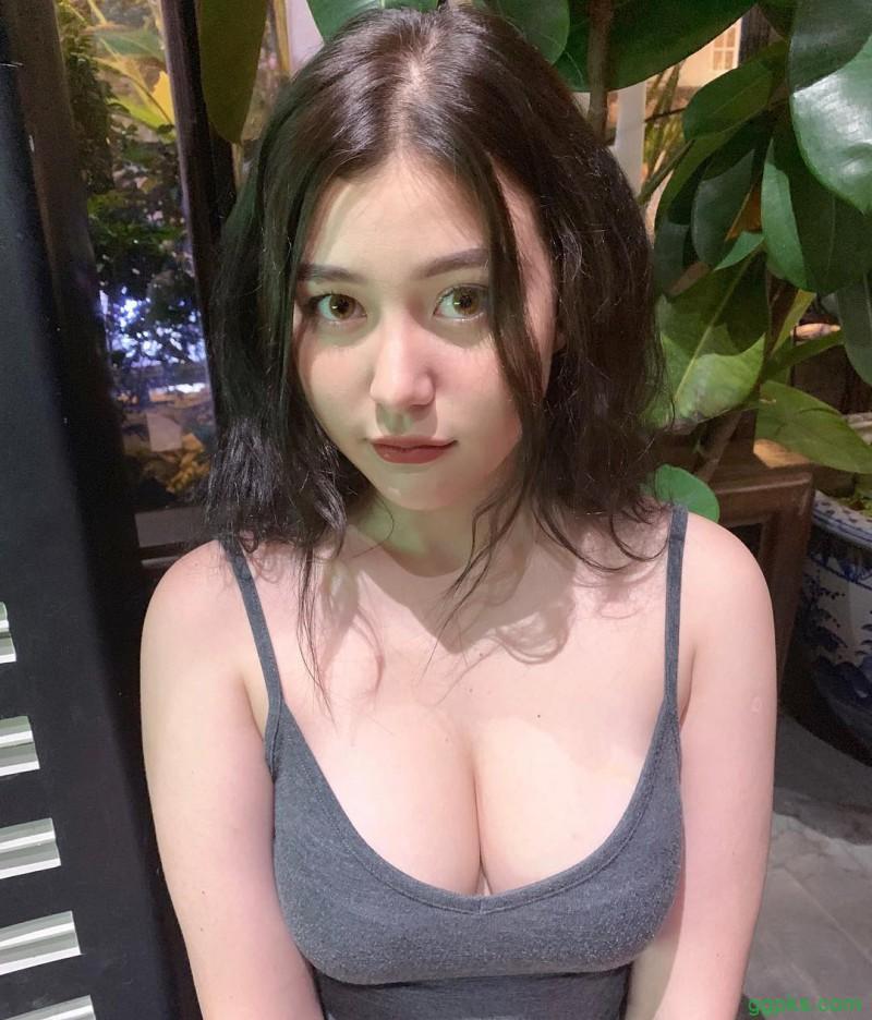 【GG扑克】越南肉感美女sunnax9 混血气质正妹吸粉十几万