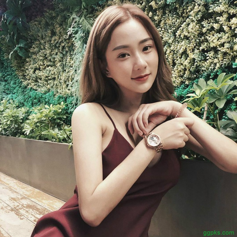 【GG扑克】清新美女Nichakarn 泰妹拍写真秒变胸器妹