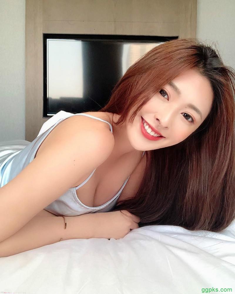 【GG扑克】比基尼正妹徐明郁Nikki 白皙八字奶惊艳眼球