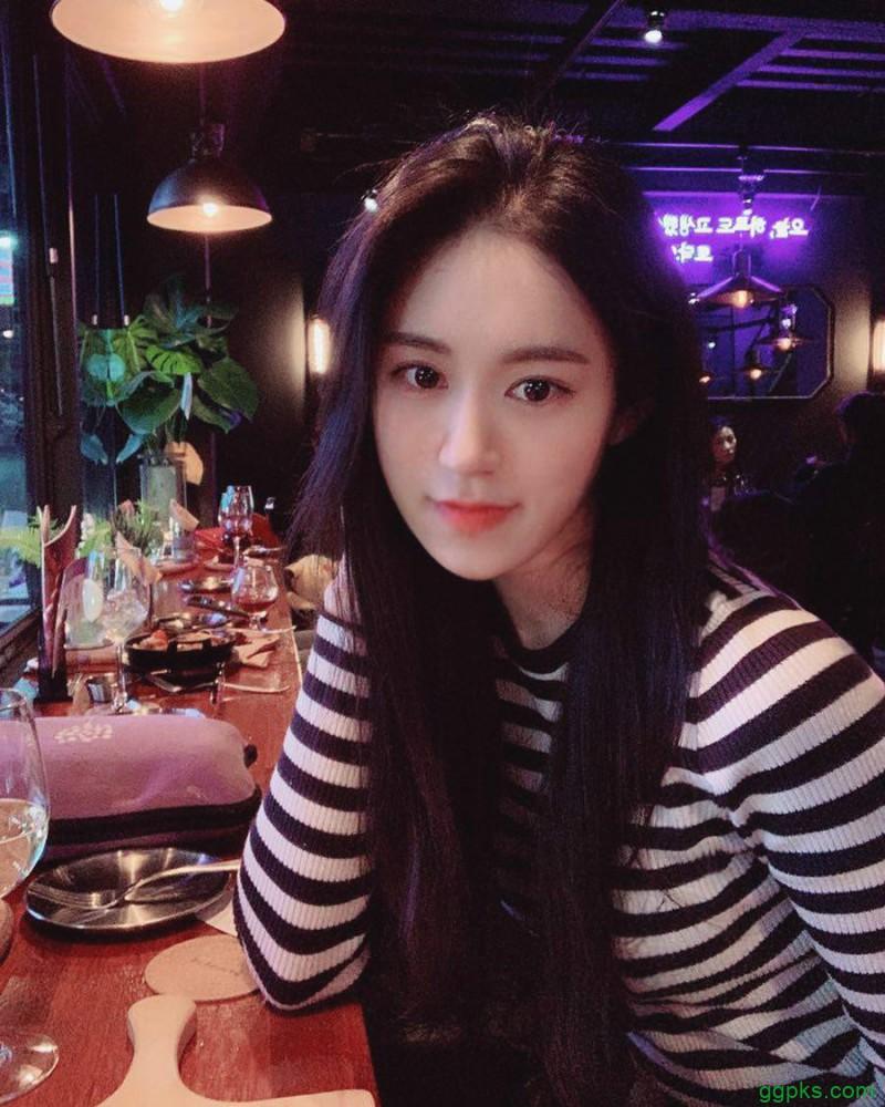 【GG扑克】韩国水蛇腰美女Bora 正妹穿性感紧身衣骆驼趾若隐若现