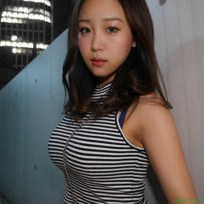 【GG扑克】性感舞娘Haruka 斜肩包卡出诱人胸型令人窒息
