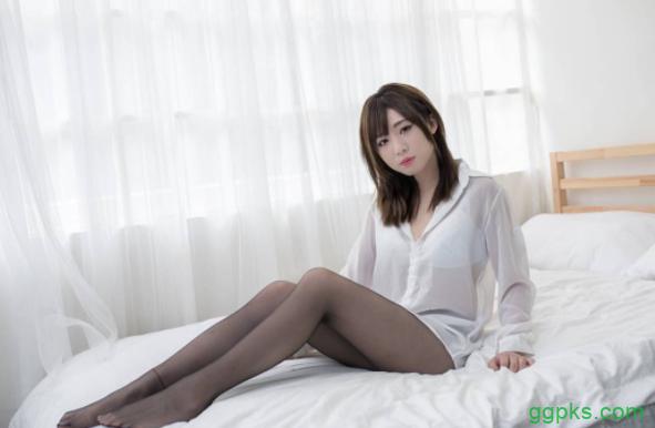【GG扑克】性感妹子Carrie勋哥 自玩SM捆绑游戏令人受不