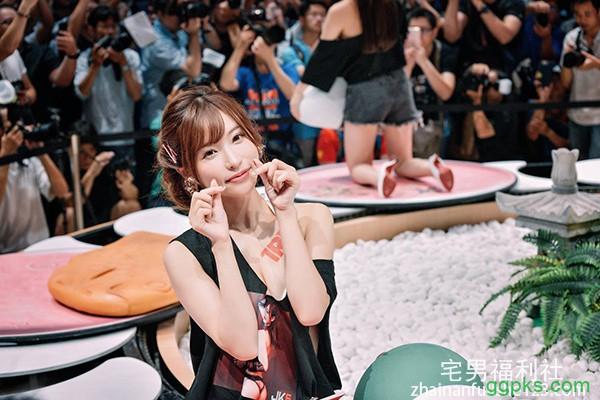 【GG扑克】SSNI-555:天使萌最新番号,女友的姊姊是神正美少女!大胆露内裤诱惑你能不上吗?