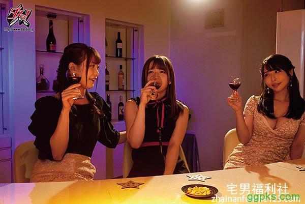 【GG扑克】男性化之后⋯美谷朱里、大浦真奈美联手两穴晶エリー!