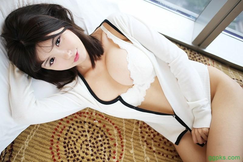 【GG扑克】快穿之扑倒男神 小说_女主有名气 很娇气np