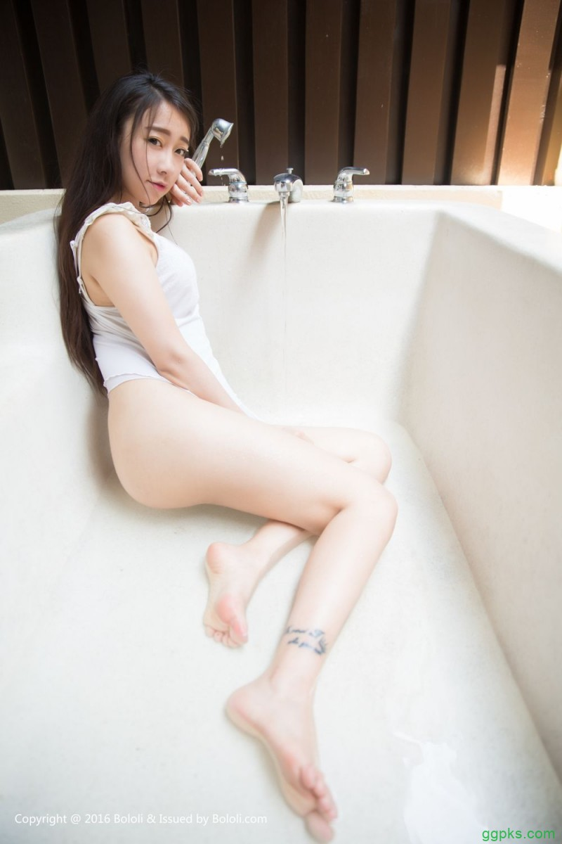 【GG扑克】女人抓着男人东东_我要去看女人的麻皮