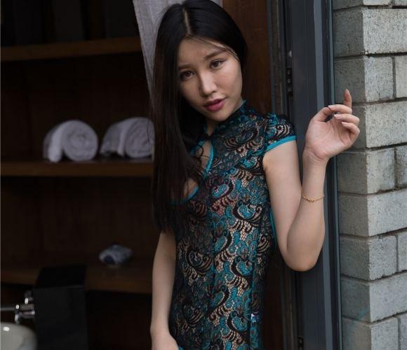 【GG扑克】我和小莹的性故事 保母的诱惑_小妖入怀!