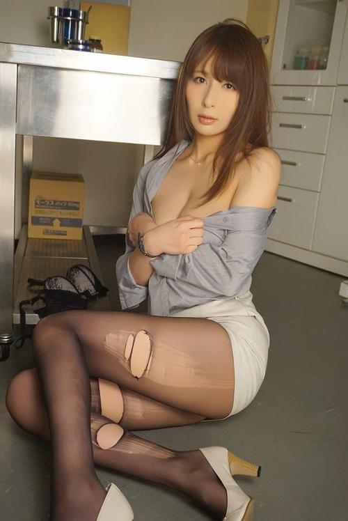 【GG扑克】SSPD-151: 家庭主妇 希崎ジェシカ 拿什么借钱?自然是她的美色啦!