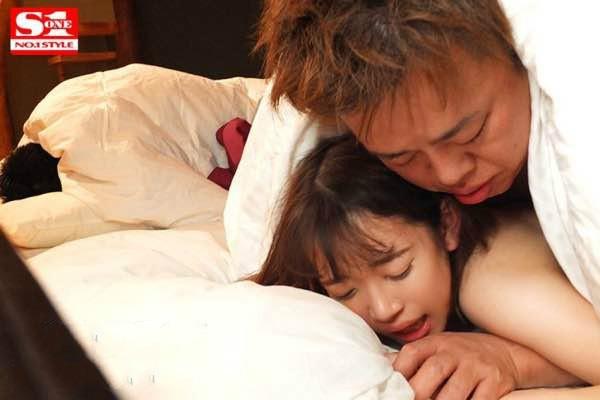 【GG扑克】SSNI-783:巨乳美少女架乃由罗的喘息实声实在好淫荡!