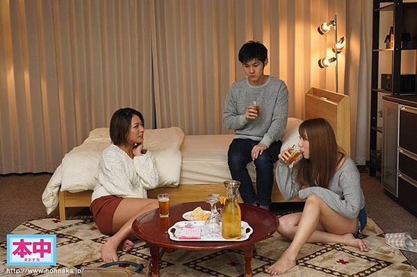 【GG扑克】G奶黑辣妹闺蜜今井夏帆借住一晚 边聊边偷玩男友中出内射…