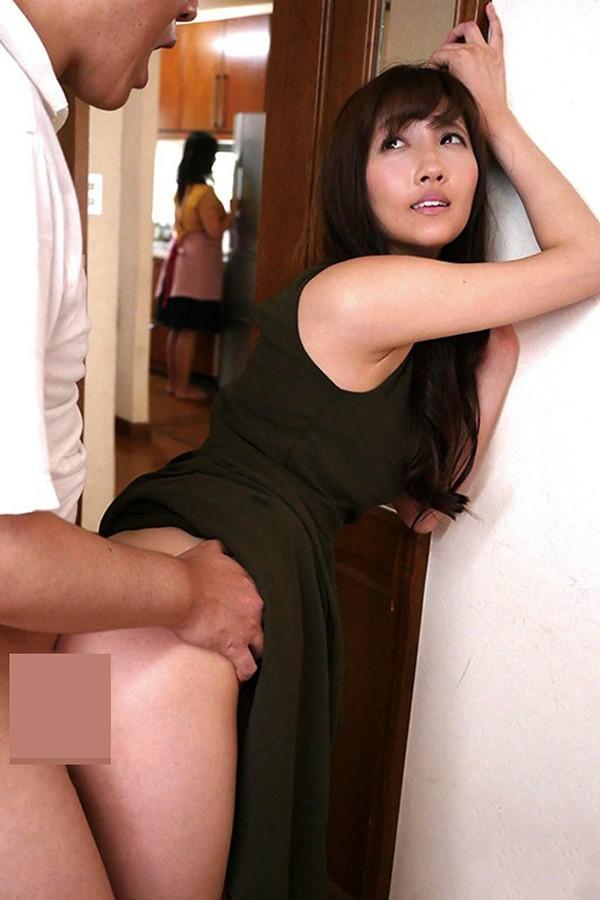 【GG扑克】STAR-989: 离婚人妻檟本美笑用丰满的肉体偷情闺蜜老公。