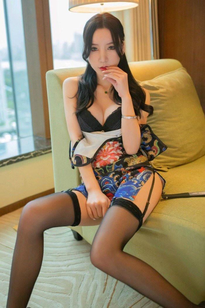 【GG扑克】黑丝诱惑性感美女周于希情趣酒店诱惑 迷人身姿令人难以抗拒