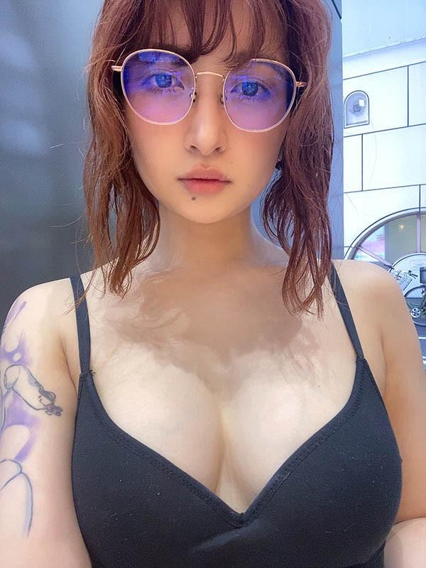 【GG扑克】JUL-234:丽日丽入职第一天遭上司报复性的肉体关係!