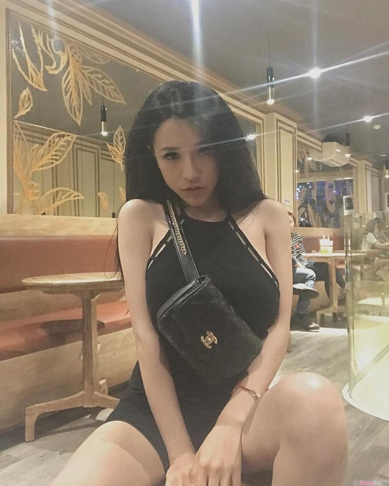 【GG扑克】越南正妹Vien Vibi 闺蜜互玩游戏被揉奶