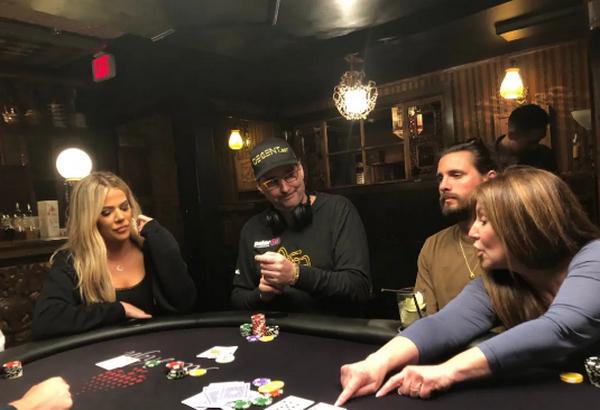 【GG扑克】卡戴珊从Phil Hellmuth那里得到了一堂扑克课