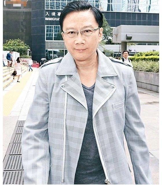 【GG扑克】70岁富商曾因非礼多名男星入狱,今与20岁小鲜肉约会,疑找到真爱