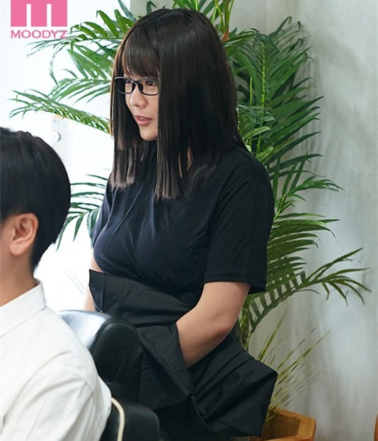 "【GG扑克】MIMK-089 :理发厅I罩杯师傅""佐知子""洗加剪还有""吹""还可以中出。"