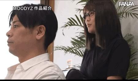 """【GG扑克】剪加洗还有""""吹""""!那间一次1000日币还可以中出的理发厅来了I罩杯师傅! …"""