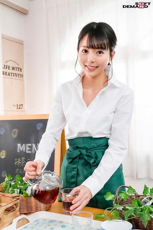 【GG扑克】性感带在膝盖!在咖啡厅打工的她要在30岁前体会高潮的滋味! …