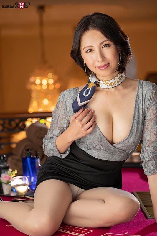 【GG扑克】史上最熟的S级片商专属移籍!她野兽化吞食男优!
