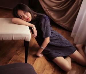 【GG扑克】女性正常宫腔深度 丝袜上有黏黏的液体