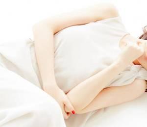 【GG扑克】正在床上用苦瓜抚慰自己 穿越末世之NP