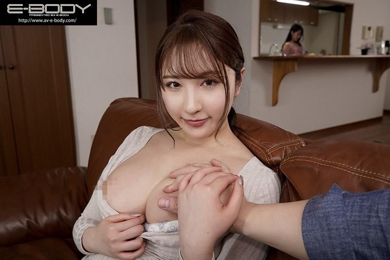 "【GG扑克】""北野未奈""作品EBOD-829:巨乳姐姐淫语诱惑妹妹的男友打炮中出。"