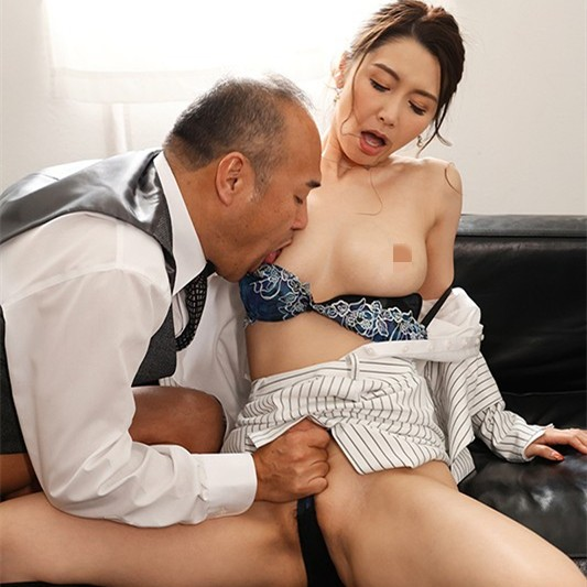【GG扑克】爱弓りょう(爱弓凉)作品JUL-631:社长秘书为了养老公与上司办公室疯狂中出!