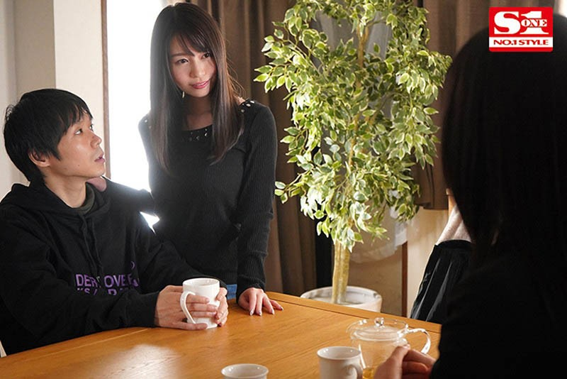 """【GG扑克】禁欲一个月!趁女友不在与她的大奶闺蜜""""梦乃あいか""""欲望爆发从早啪到晚!"""