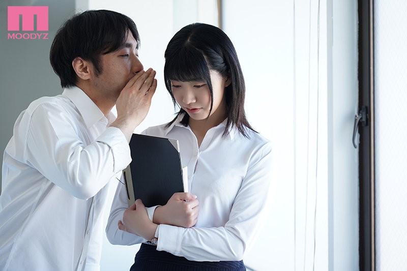 "【GG扑克】MIDE-944 :好想试试!新任女教师 ""琴音华 ""挡不住巨根学生的诱惑…"