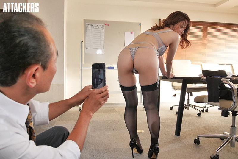 【GG扑克】希代あみ(希代亚美)作品shkd-960 : 高傲女上司穿套装黑丝屈辱谢罪 …