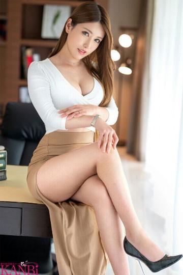 【GG扑克】和律师老板不伦的糜乱秘书⋯下海竟说不想全裸?